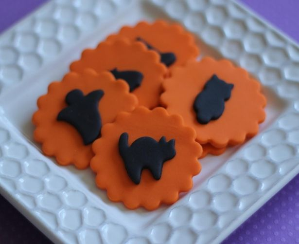 Halloween Silhouette Edible Fondant Cupcake Cake Toppers - Witch Hat