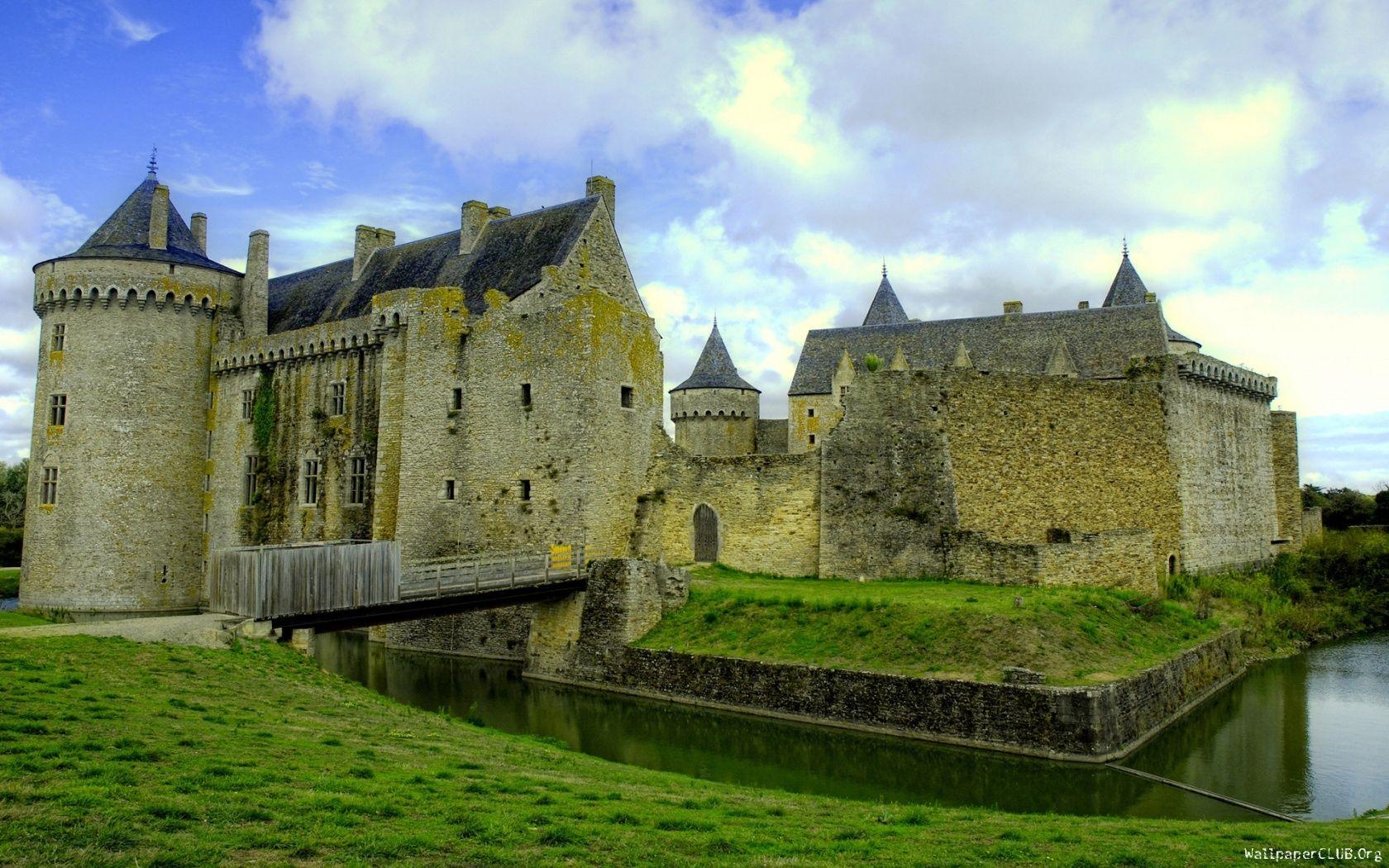 ancient-castle-1680x1050.jpg (1680×1050)