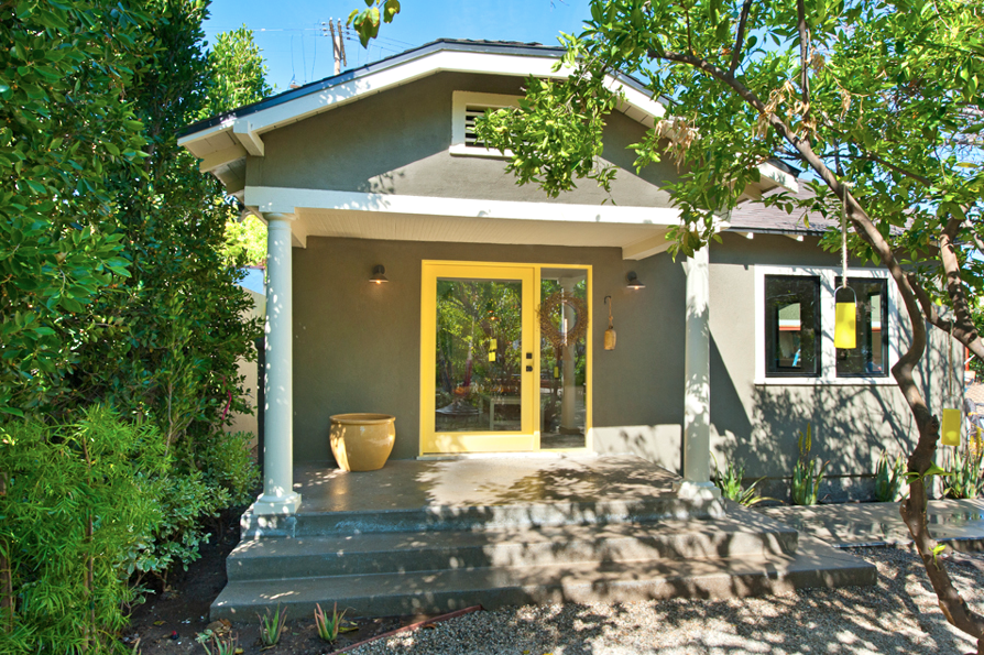 1924 California Bungalow In Atwater Village, 529k. Love The Gray Exterior  And The Yellow