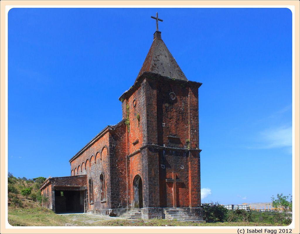 L'église francaise de #bokor #kampot #cambodge (par Sabel Fagg). Pour en savoir plus: http://voyager-au-cambodge.com/sites-a-visiter/kampot