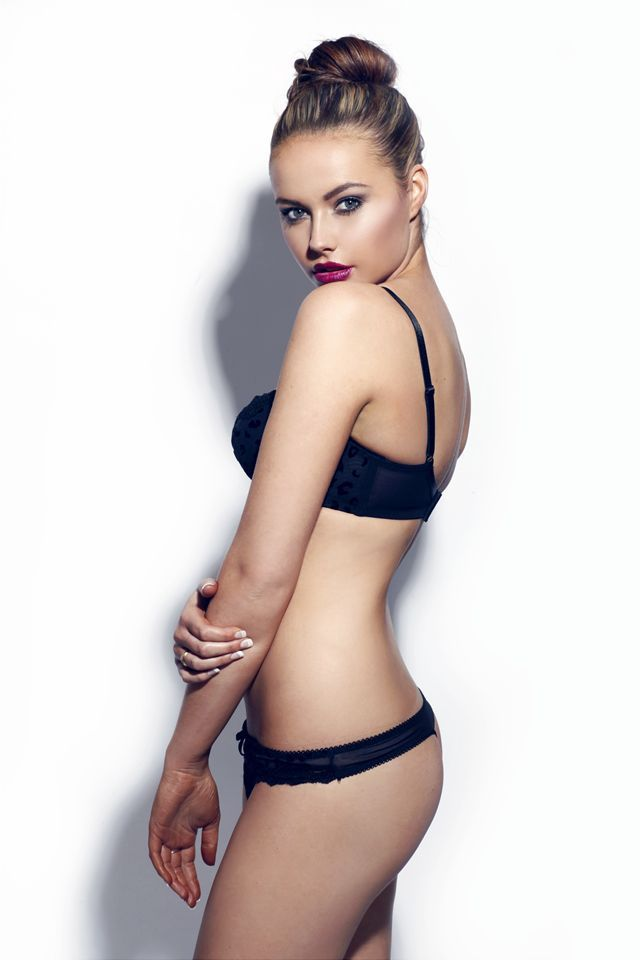 Anna fowler bikini pics, huge cum facial video clip