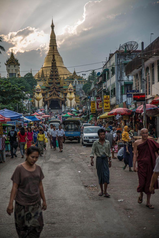 Myanmar Tours Luxury Travel Myanmar Holiday Packages Shwedagon Pagoda Myanmar Travel Myanmar