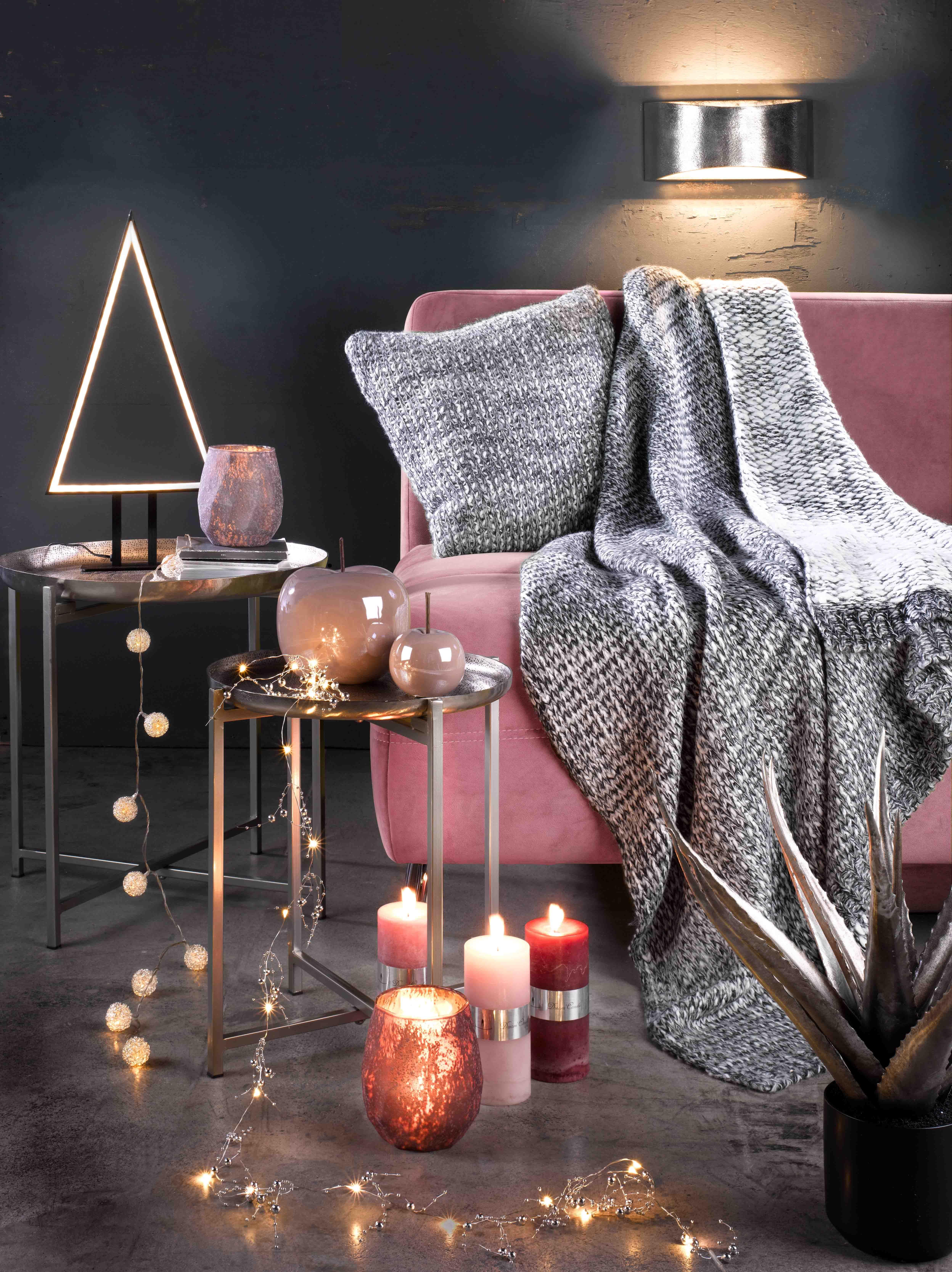 Lichterketten und Kerzen als gemütliche Wohnzimmer-Deko   Interior ...