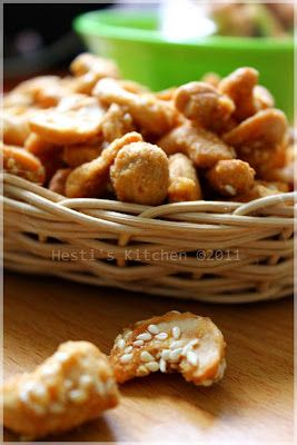 Ini Salah Satu Camilan Lebaranku Sedikit Twist Dari Kacang Mede Goreng Biasa Aku Dapat Resep Ini Dari Majalah Sedap Edisi Makanan Dan Minuman Makanan Kacang