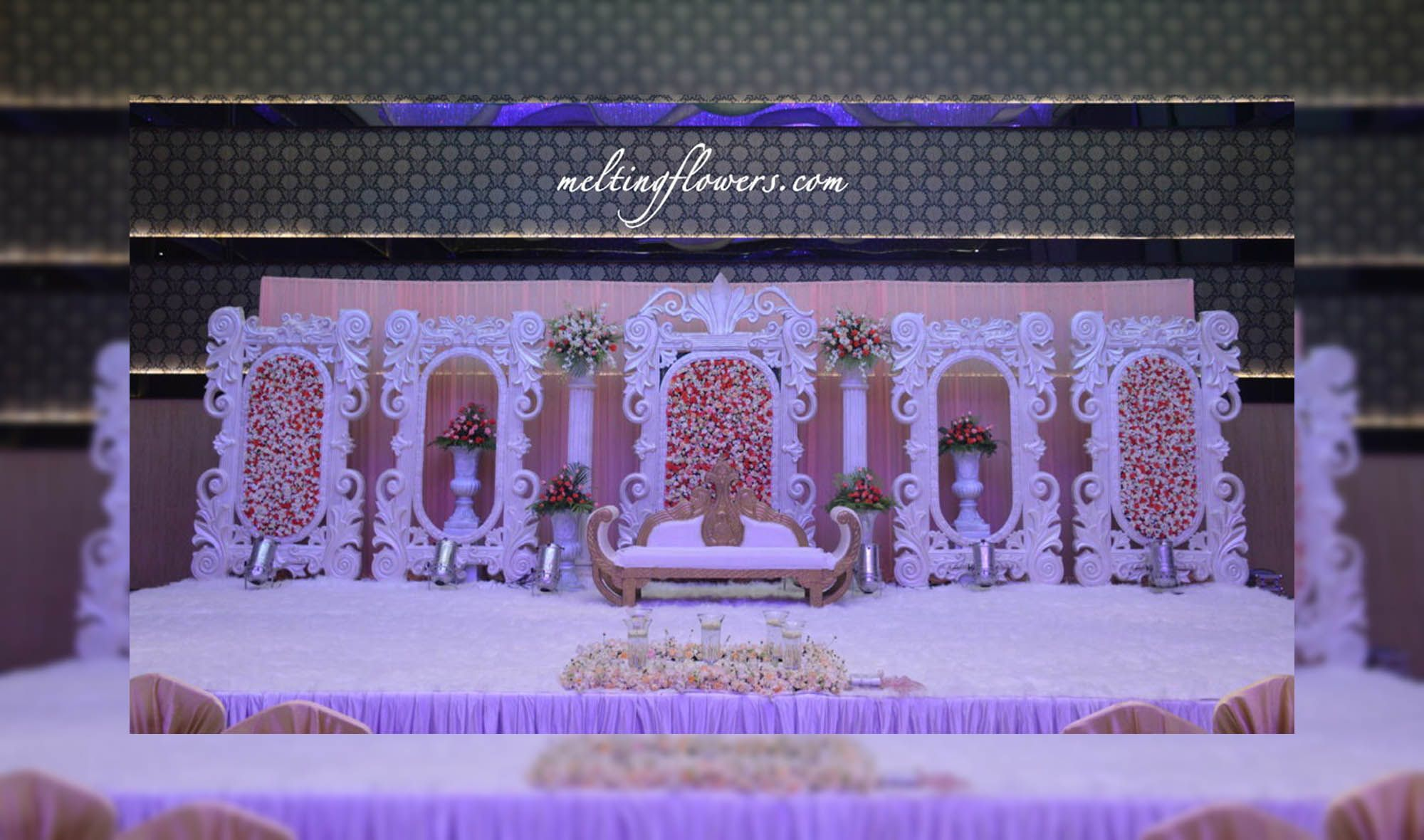 Wedding stage decorations at jw marriott hotel bangalore wedding wedding stage decorations at jw marriott hotel bangalore junglespirit Gallery