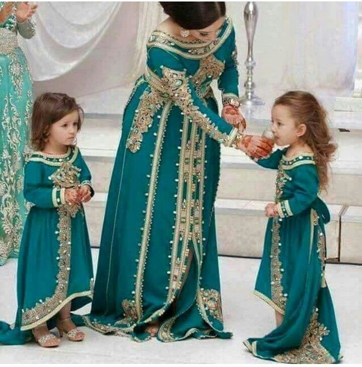 teal caftan  bride and child  caftan bleu canard  mari u00e9e et enfant