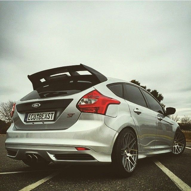 silver cool ford focus st mk3 ford focus st tuning. Black Bedroom Furniture Sets. Home Design Ideas