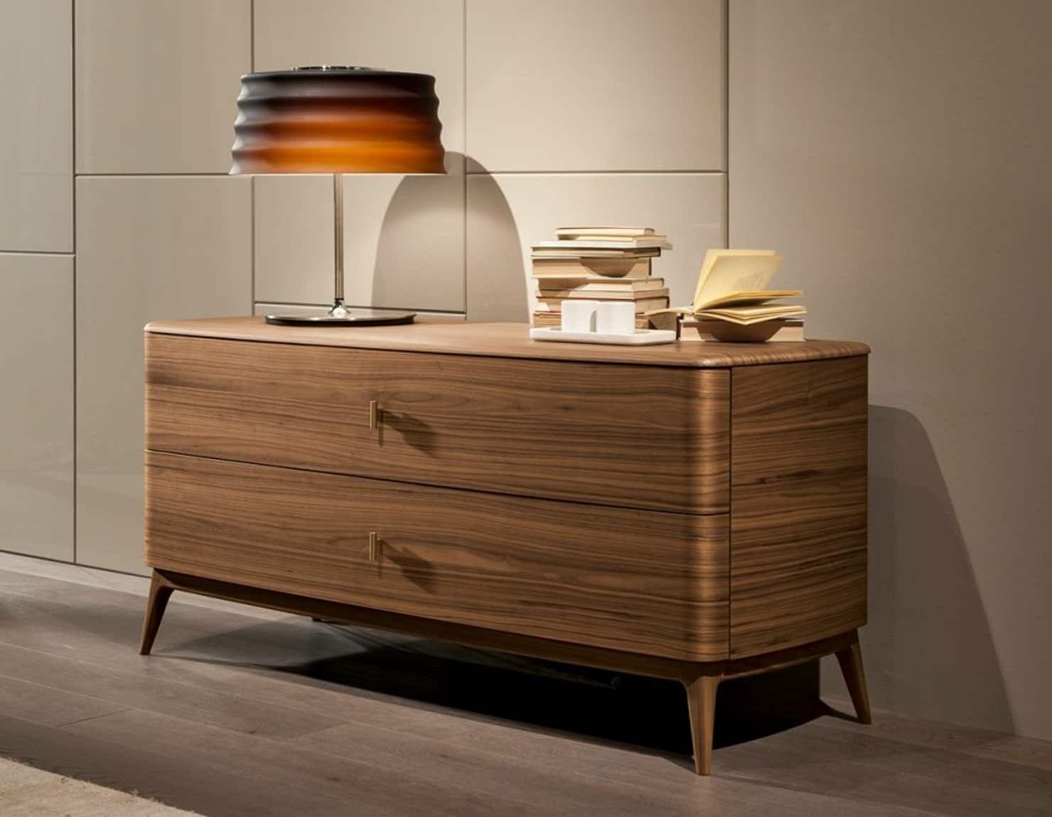 Cómoda indigo de interiors ton sarrà moderno madera maciza