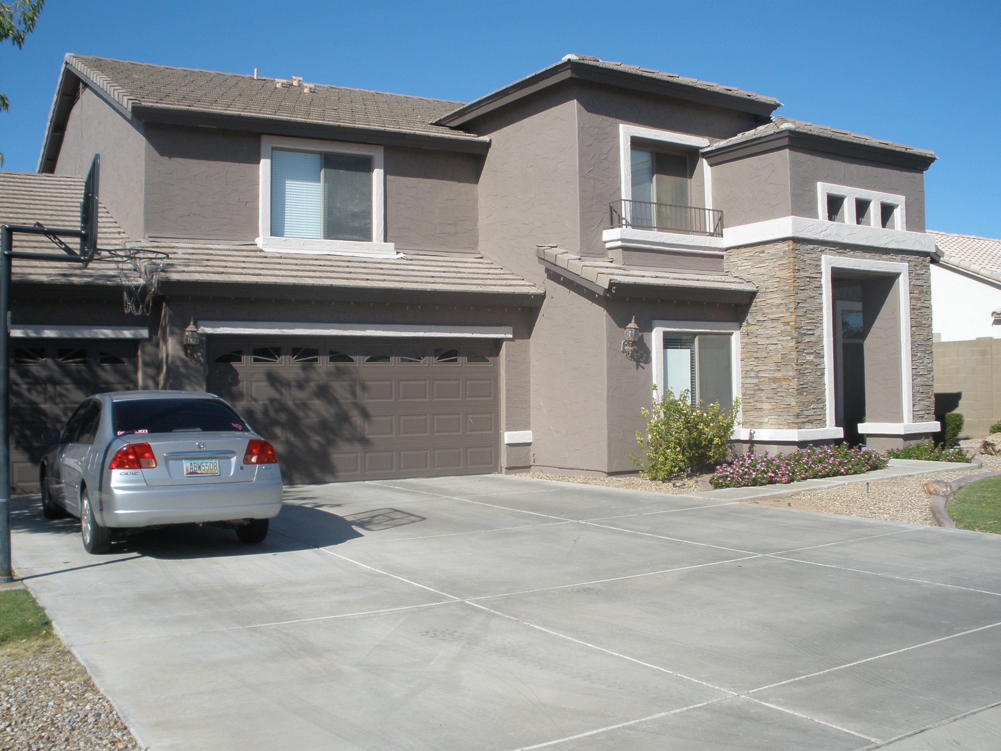 Two Tone Gray Houses | Two Tone Exterior House Colors