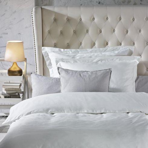 elegante bettw sche aus baumwollsatin stilvoll und anschmiegsam wie man sich bettet so. Black Bedroom Furniture Sets. Home Design Ideas