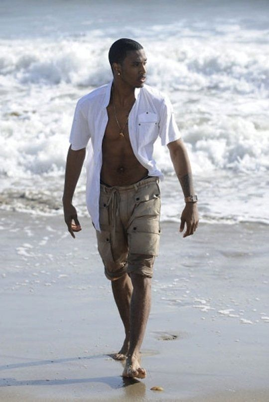 8f1b36e37 Why is he wearing that white shirt. Take it off | Trey Songz | Trey ...