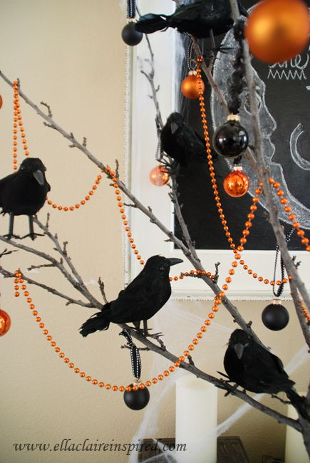 Free DIY Halloween Chalkboard Template {tutorial} and Fun Vignette