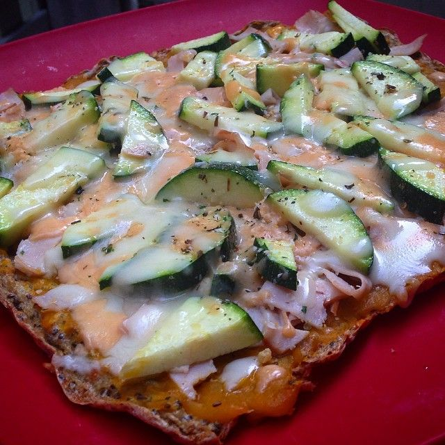 Shirataki-Noodle Pizza Crust (!) With Veggies