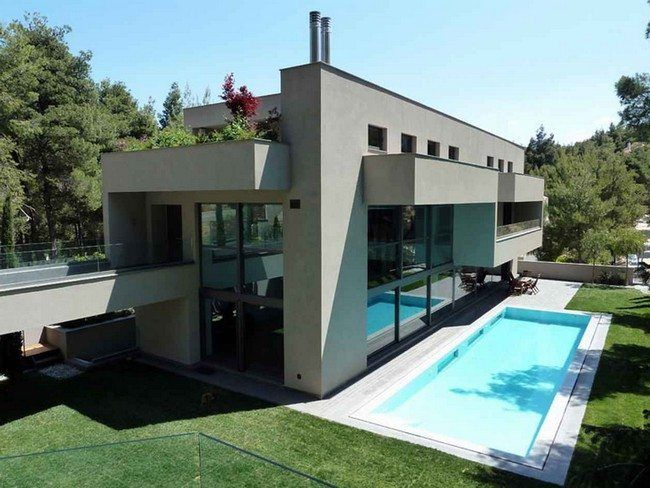 Small House With Pool Extravagance Let Your Small House Stand Out With These Ideas For Pools Decor Around The World Pool Houses Large Homes Pool Decor