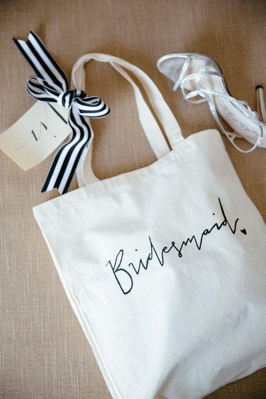 bridesmaid gift tote bag bridal party gift wedding favor dessin de sac faveurs de mariage. Black Bedroom Furniture Sets. Home Design Ideas