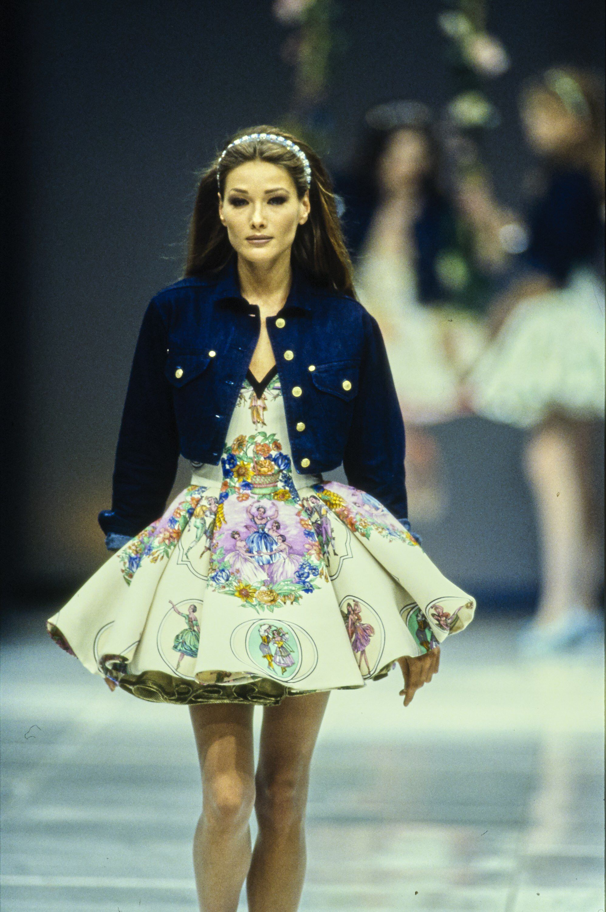 76bd06570657 Versace Spring 1992 Ready-to-Wear Fashion Show   GIANNI VERSACE ...