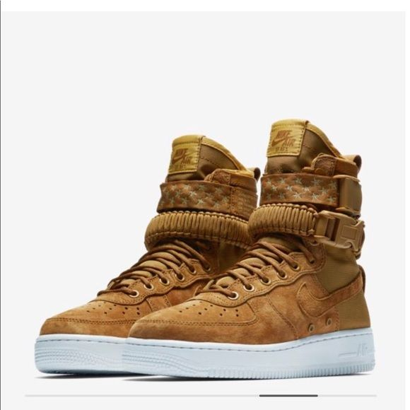 NEW WITH BOX Nike SF AIR FORCE 1 boots Equipped like never before ... 13bce2a94