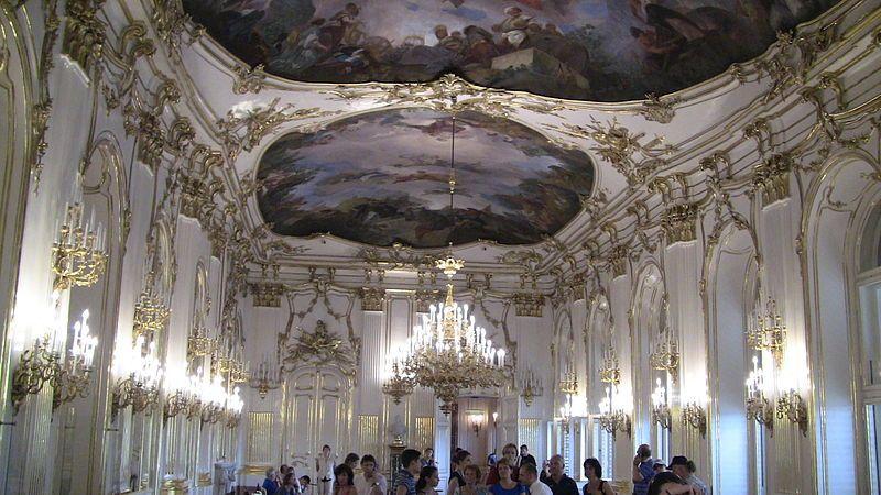 Inside_Schoenbrunn_Palace_Vienna