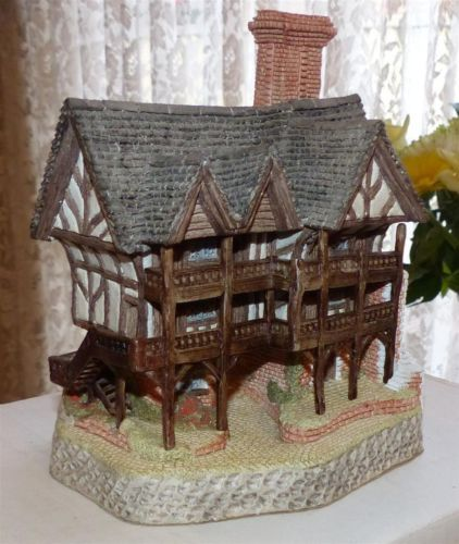 The Grange Signed By David Winter The Rarest Of His Cottages Tiny Treasures Cottage Decorative Boxes