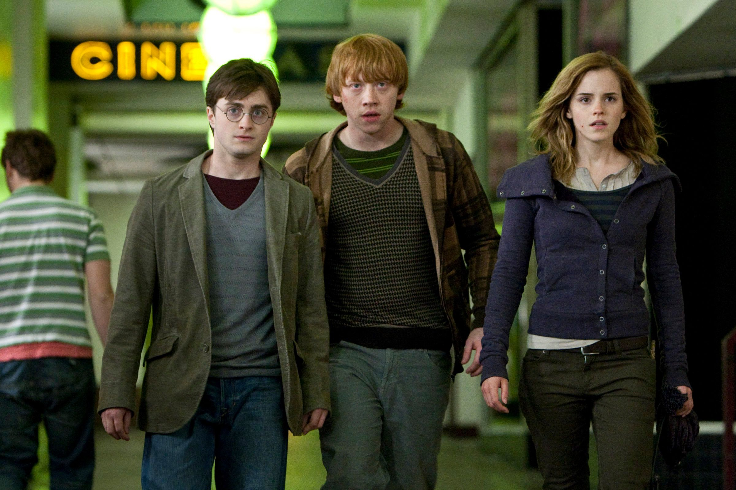 Is Harry Potter On Netflix How To Stream The Films In The Uk In 2020 Harry Potter Movies Harry Potter Outfits Ron And Hermione