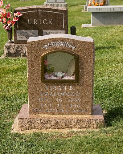 The glassed-in niche unlocks on the back of the headstone. Springfield Cemetery, Sykesville, Maryland #gravestone #tombstone