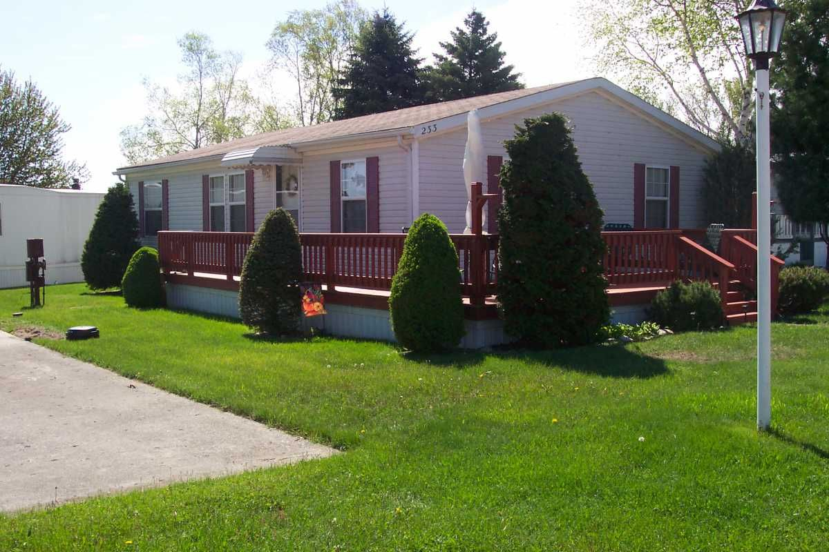 1998 mansion mobile manufactured home in port sanilac