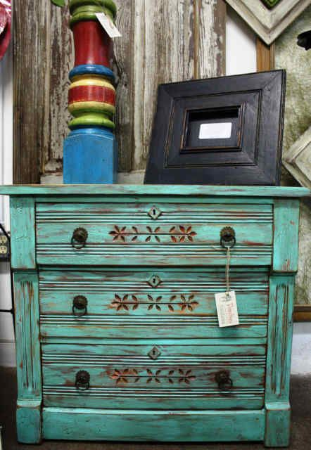 wanna do this to my antique dresser - Hmm. Wonder If I Can Figure Out How To Do Something Like This For