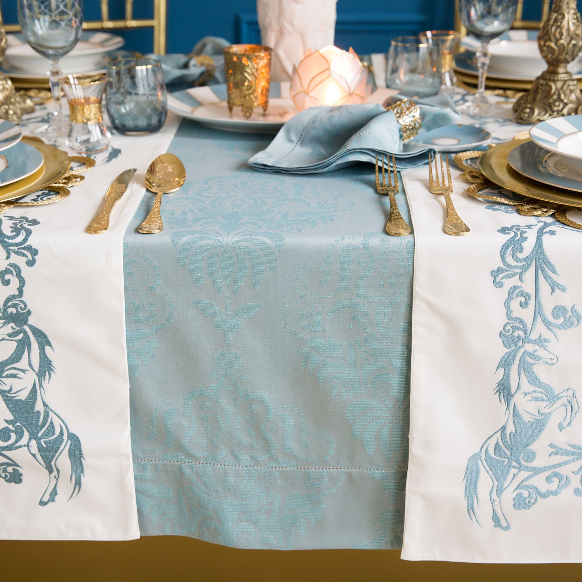 Mantel y servilleta algod n jacquard azul oscuro for Zara home manteles mesa
