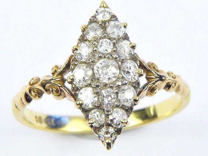 WONDERFUL ANTIQUE EDWARDIAN ENGLISH 18K GOLD DIAMOND MARQUISE RING c1910