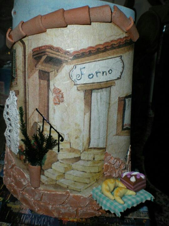 Tegola forno con miniature in fimo