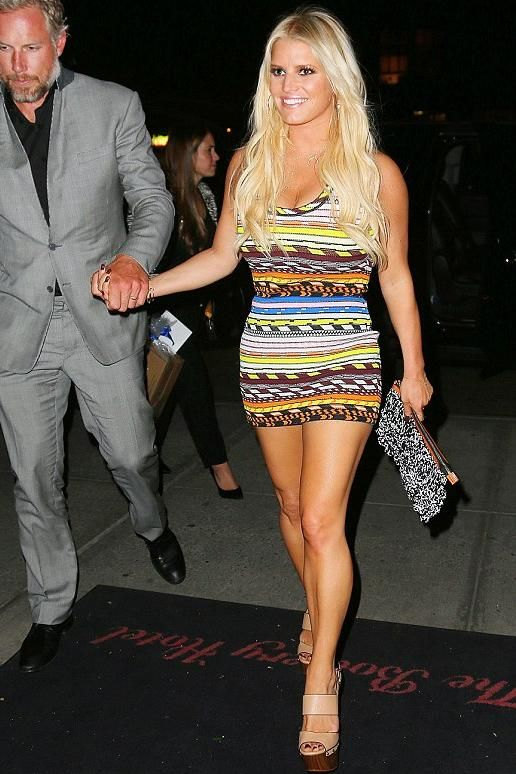 4b7fa8ff36d Jessica Simpson wearing Jessica Simpson Dallis Platform Sandal in Ambra and  Christopher Kane Contrast Stripe Sleeveless Knit Dress