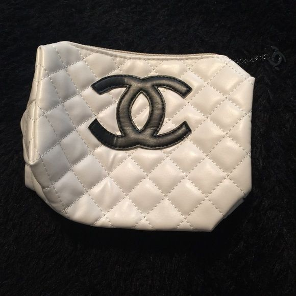 cb896162a237 CHANEL makeup bag NWOT, Chanel makeup bag. Never used. Large sized. No  trades. Price reflects authenticity. CHANEL Makeup