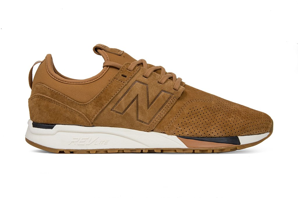 Tomar un baño exégesis mecánico  New Balance 247 'Pig Suede' - Bran/Brown | Mens sneakers casual, New balance,  Sneakers fashion