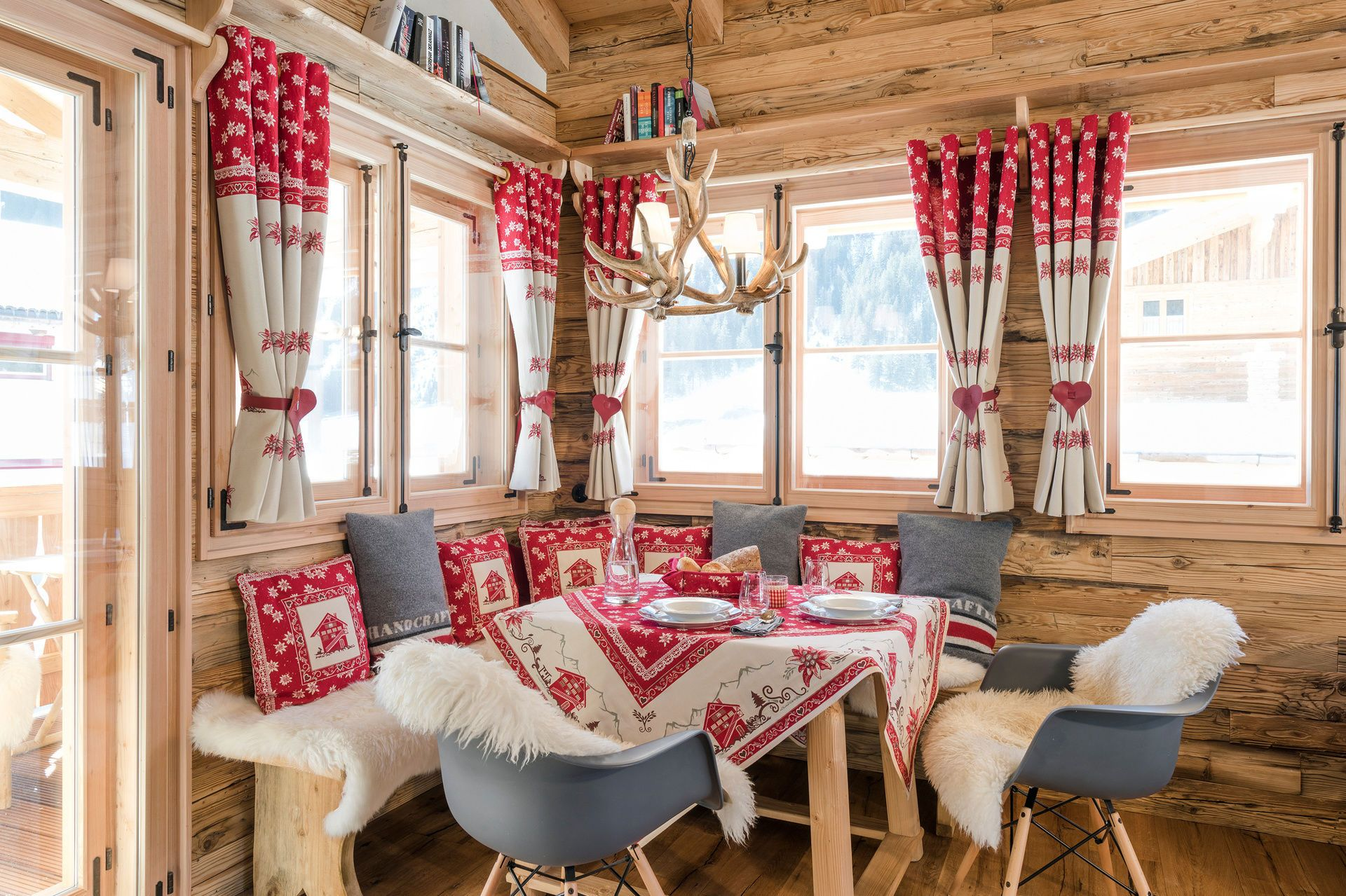 kuschel chalet luxus chalet tirol tannheimer tal ferienhaus allg u ferienh user bayern. Black Bedroom Furniture Sets. Home Design Ideas