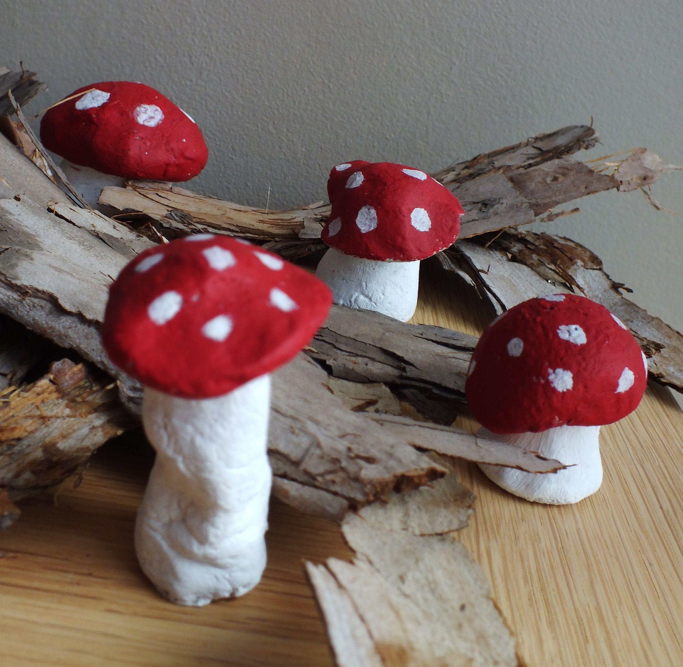 fabriquer un champignon en p te sel automne pinterest champignon p t s et sels. Black Bedroom Furniture Sets. Home Design Ideas