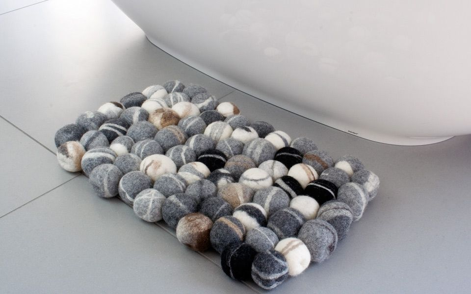 wouldn't you die to have this in your rock bathroom? :)