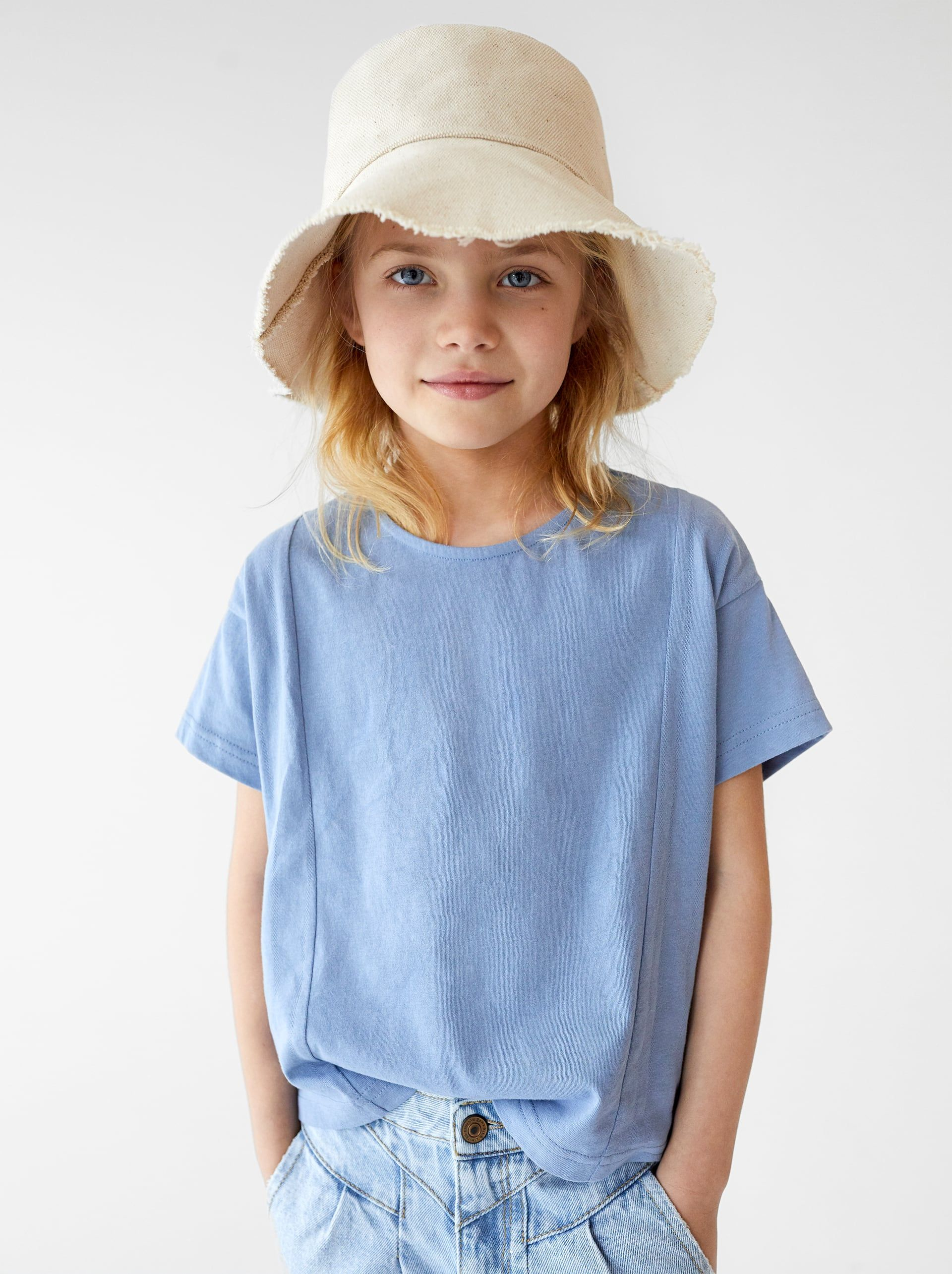 e255a583c1 Image 1 of BASIC PLAIN T-SHIRT from Zara | Family Photography - What ...