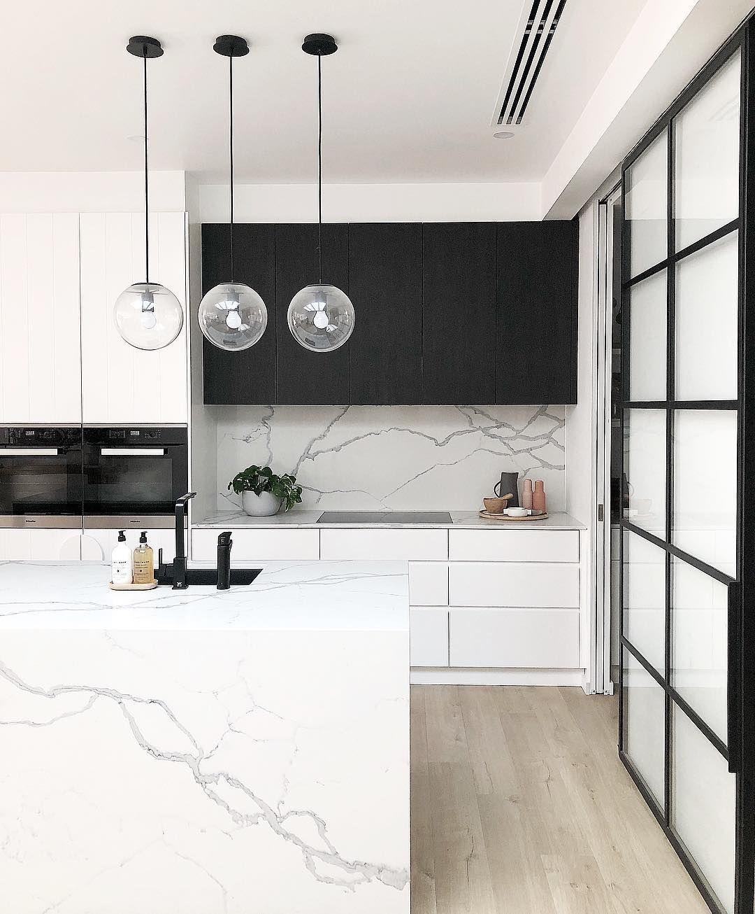 Black And White Modern Kitchen