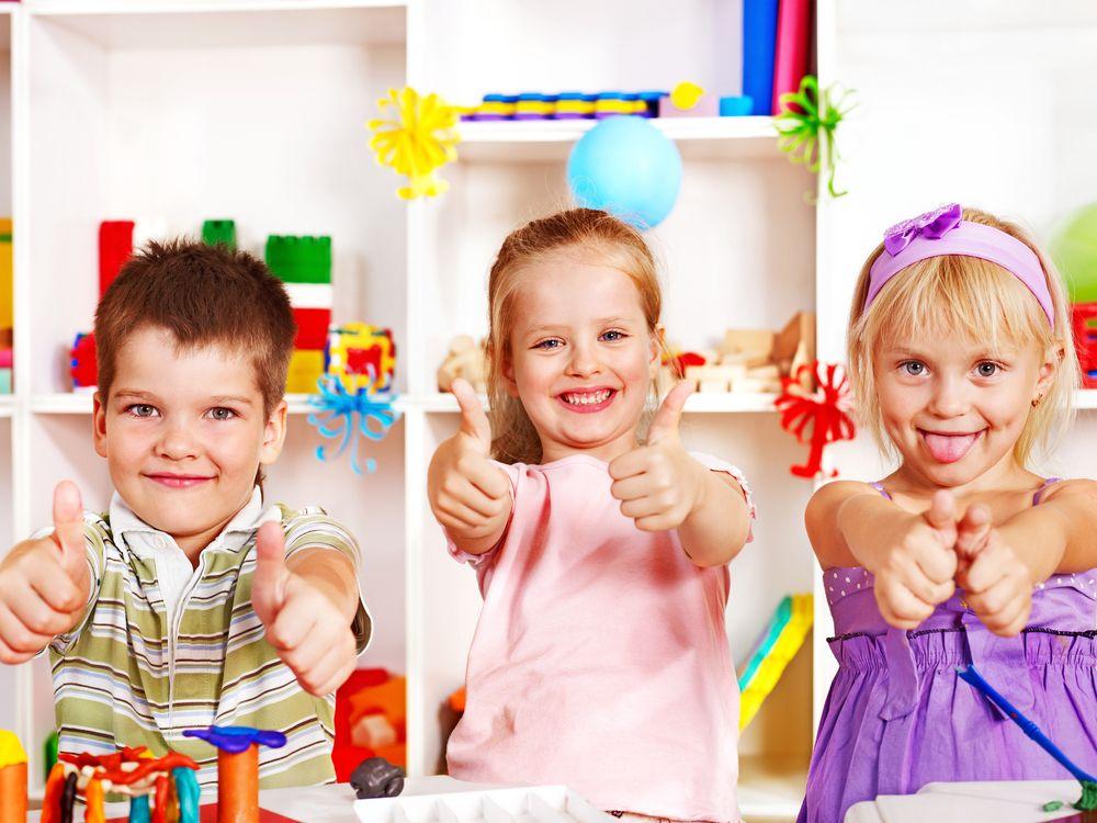 Všetko, čo naozaj potrebujem vedieť o tom, ako žiť, čo robiť a akým byť, som sa naučil v materskej škole, je to tak aj u vás? Viac rád a tipov na http://www.zenysro.sk/#!detail/blogy/1655/Vsetko-co-naozaj-potrebujem-vediet-som-sa-naucil-materskej-sk-lke