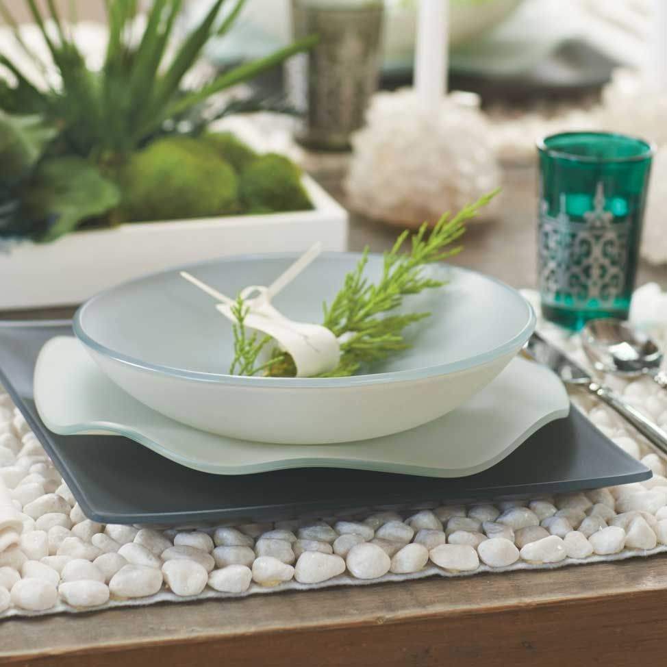 VivaTerra - Oceana Seaglass Dinnerware - VivaTerra. Love this whole dining set layout. So & VivaTerra - Oceana Seaglass Dinnerware - VivaTerra. Love this whole ...