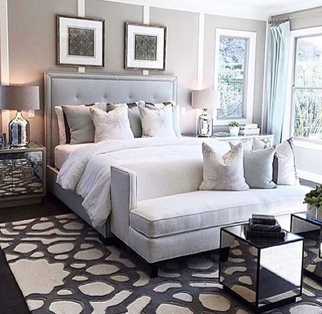 Small Sofa At The Foot Of Bed Master Bedrooms Decor Cozy Master