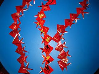Homemade chinese new year decorations from angpow paper for Ang pow decoration craft work