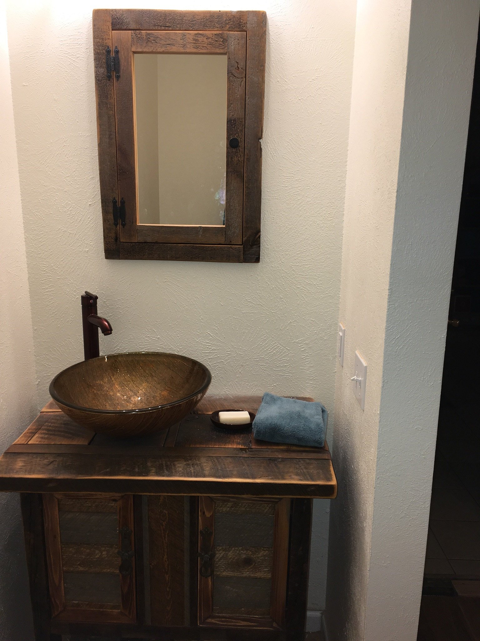 Recessed Barn Wood Medicine Cabinet With Mirror Made From 1800s Barn Wood Rustic Medicine Cabinet In 2019 Rustic Medicine Cabinets Wood Medicine Cabinets Barn Wood