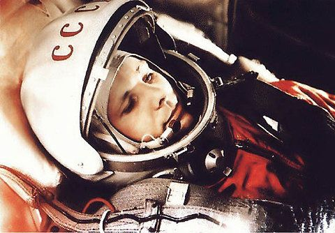 Yuri Gagarin First Man In Space He Died 7 Years Later In A Plane