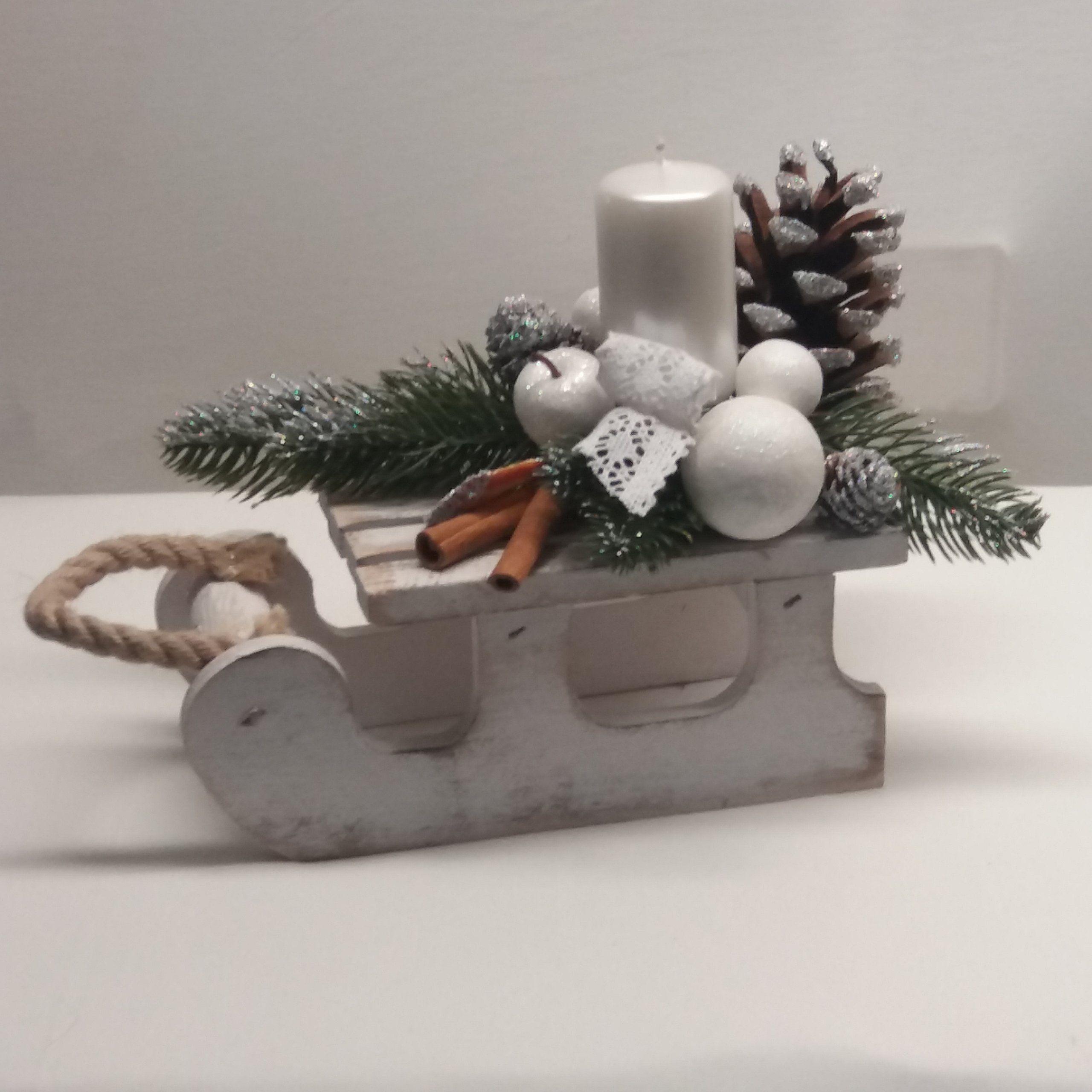 Stroik Swiateczny Saneczki Sanki 7065019845 Oficjalne Archiwum Allegro Christmas Ornaments Place Card Holders Holiday Decor