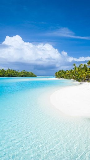 All shades of blue - a colour you will never tire of #lovealittleparadise #cookislands