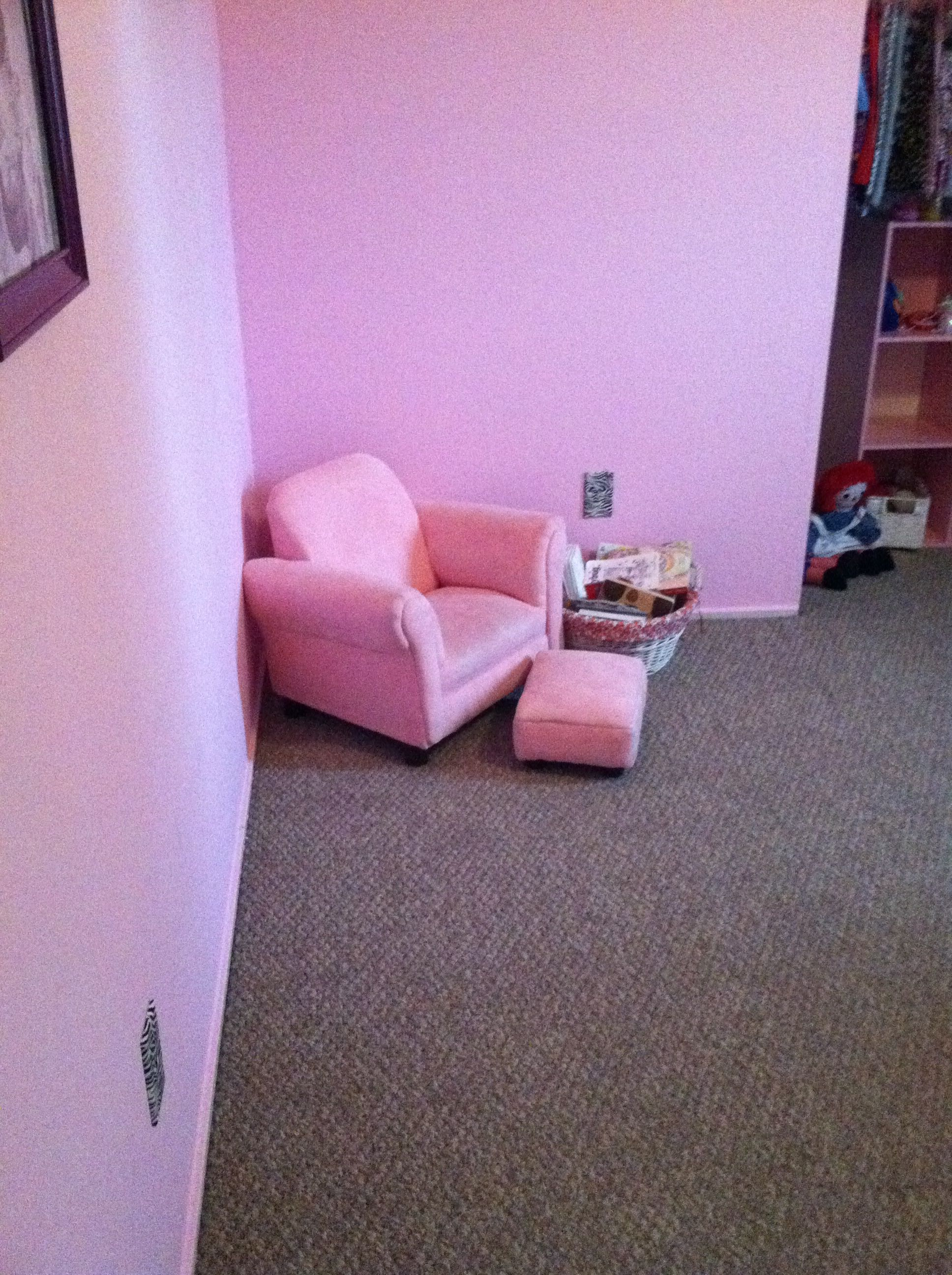 Her little reading corner. I want to add a bean bag (for me mostly) and a little bookshelf.