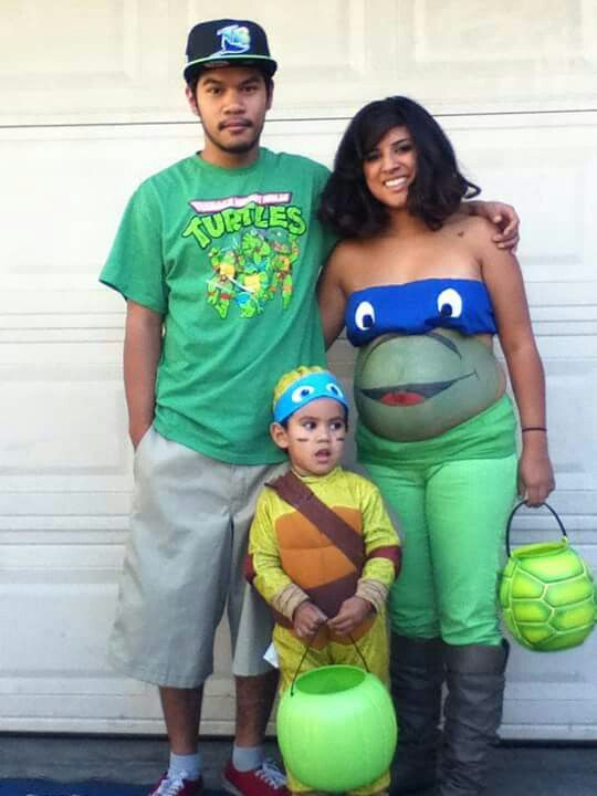 Belly painting baby bump diy Halloween costumes
