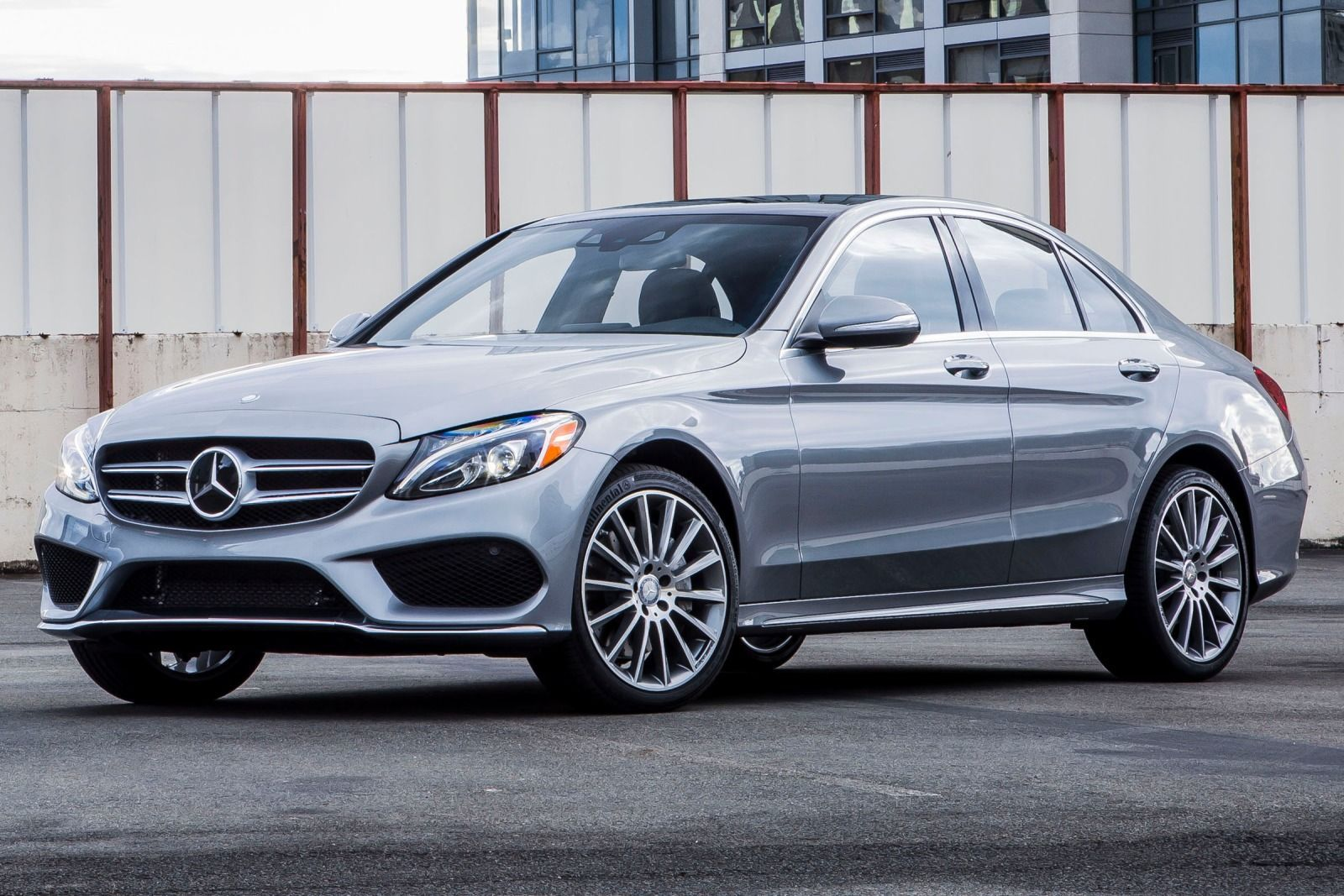 2015 luxury sedans 2015 mercedes benz c class c300 for Mercedes benz c300 luxury