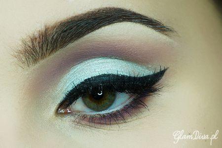 Christina Aguilera's makeup https://www.makeupbee.com/look.php?look_id=98462